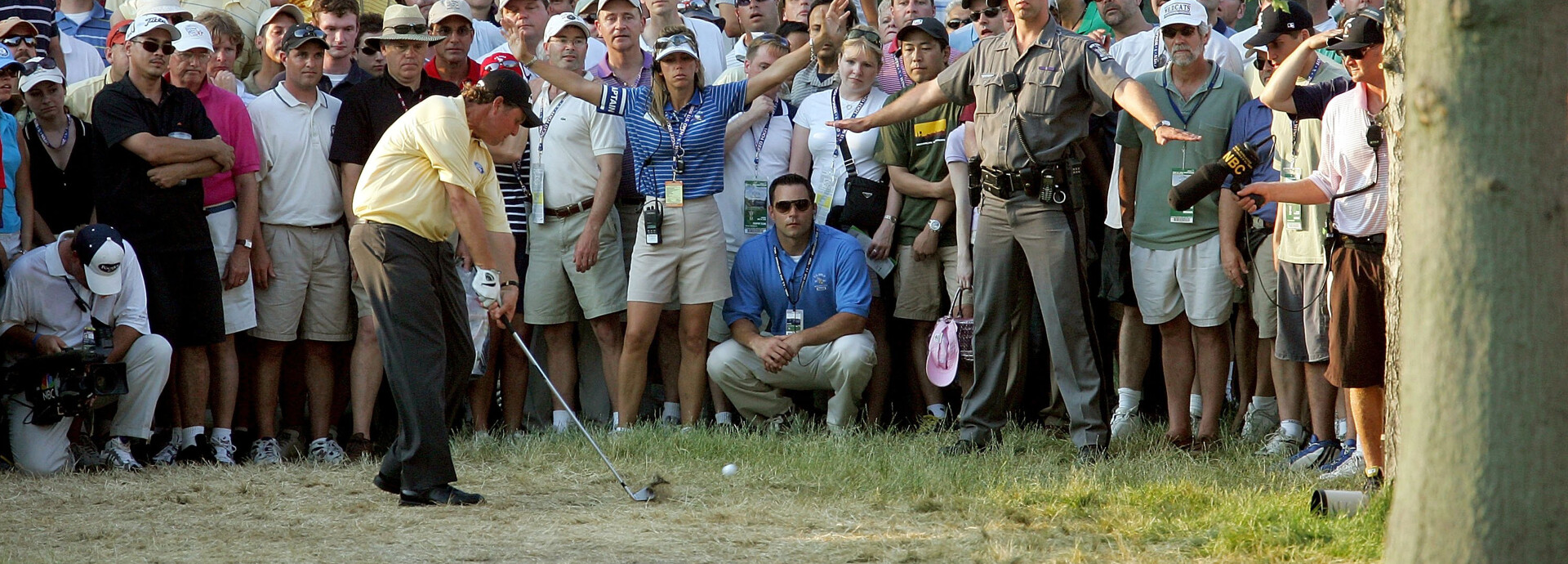 phil_mickelson_trees_18_winged_foot_getty