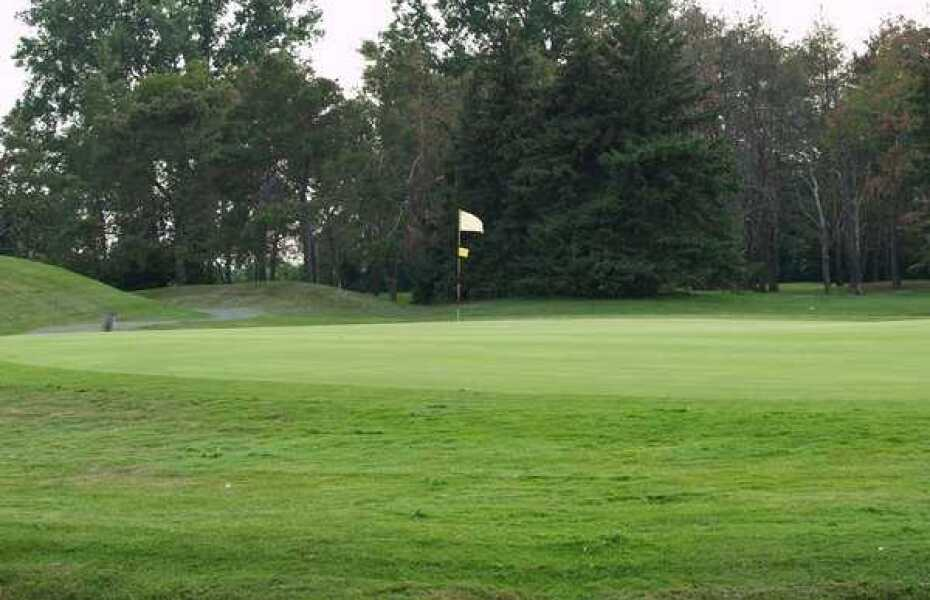 Red/Blue at Pine Valley Golf Course in Ray, Michigan, USA ...
